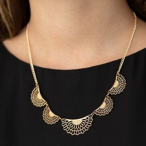 Fanned Out Fashion gold necklace